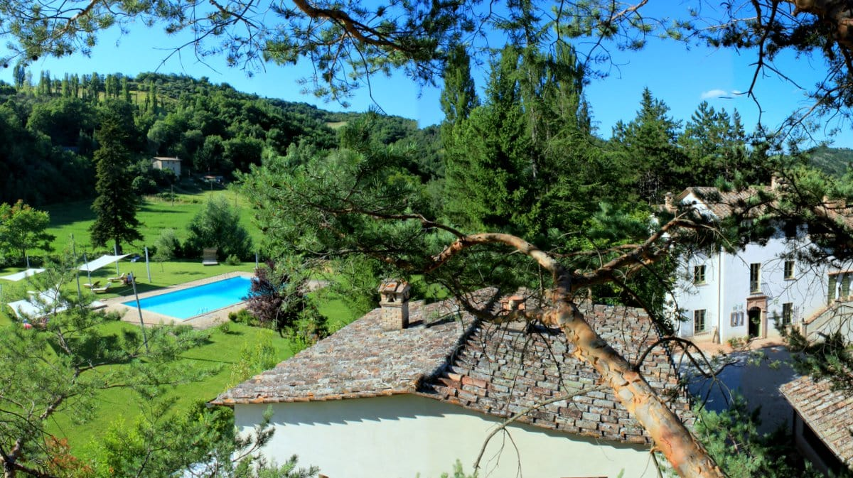 Countryhouse Agriturismo L'Ariete, Montone, Umbria - birds eye perspective